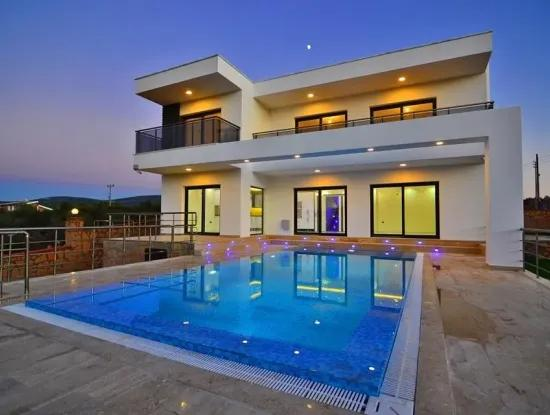 For Sale 5 Bedrooms Detached Vip Villa İn Didim