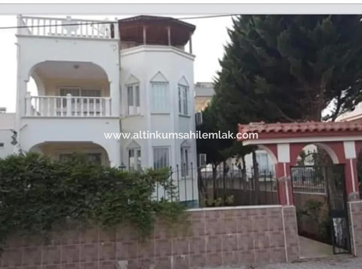 Altınkum Çamlık Mahallesinde Satılık 5+1 Lüx Villa
