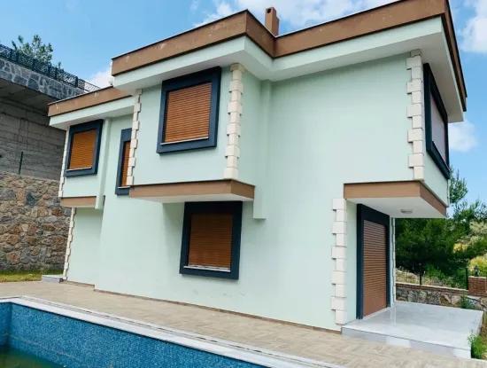 Didim Akbük'te Satılık 2 Adet Müstakil Yazlık Villa