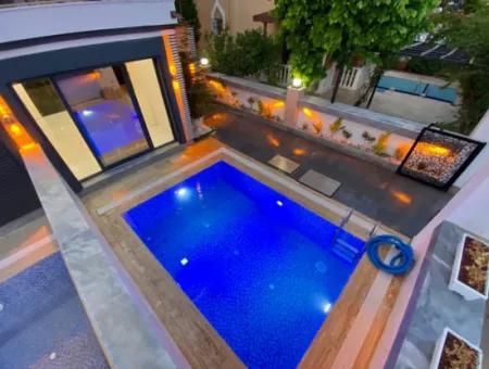 Didim Altınkum Çamlık Mahallesinde Satılık  4+1 Villa