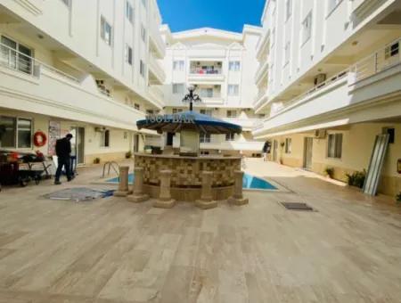 Didim Efeler Mahallesinde Havuzlu Site İçinde Acil Satılık 2+1 Eşyalı Daire