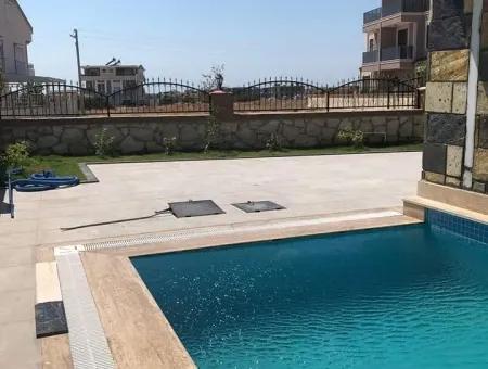 Didimde Satılık Villa, 4 Odalı Bahçeli Villa