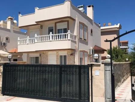 Didim Altınkum Yeşilkent'te Satılık 3+1 Havuzlu Deniz Manzaralı Müstakil Villa.