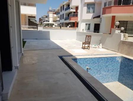 Didim Efeler Mahallesi Satılık Havuzlu Villa