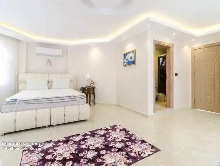 Didim Akbükte Satılık Malikhane, 5+1 Müstakil Ev