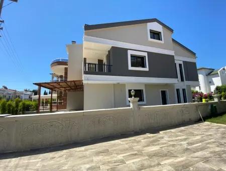 Yeşilkent'te Satılık Denize Yakın Müstakil Villa