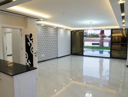 Didim Efeler Mahallesinde Satılık 5+1 Lüks Müstakil Villa