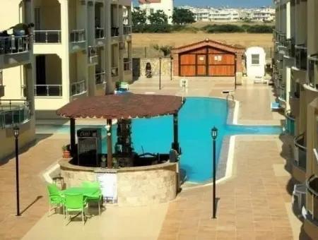 Didim Efeler Mahallesinde Deniz Manzaralı Havuzlu Sitede Satılık 4+1 Dubleks