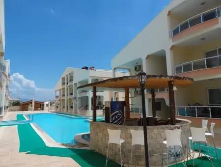 Didim Efeler Mahallesinde Deniz Manzaralı Havuzlu Sitede Satılık 4+1 2 Banyo Dubleks