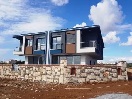 Didim Efeler Mahallesindesatılık 4+1 Deniz Manzaralı Bahçeli Villa
