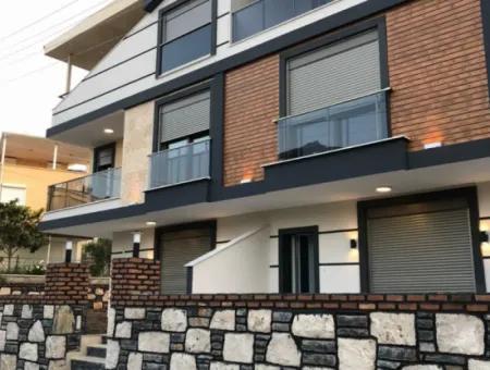 Didim Sedef Koy Sitesinde Satılık Villa